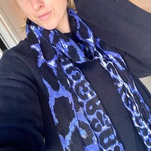 Accessories - lovely blue leopard scarf
